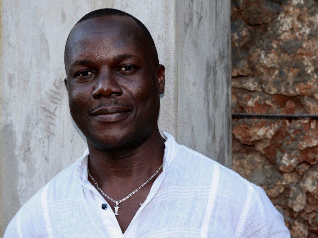 portrettfoto av Ishmael, leder i PEMA